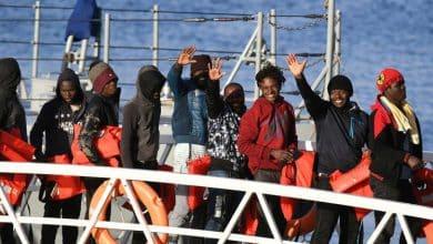 صورة الهجرة الي اوروبا مالطا تسمح بدخول 50 مهاجرا كانوا عالقين في  البحرالمتوسط