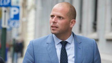 صورة استجواب ثيو فرانكين من قبل المحكمة حول التأشيرات الإنسانية