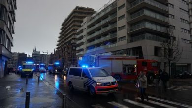 صورة قوات الشرطة والمطافئ تذهب بأعداد كبيرة بالقرب من محطة أوستندا بسبب تسرب غاز