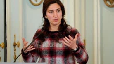 صورة وزيرة الطاقة الفلمانية .. تعويضات للعاطلين المؤقتين بمبلغ مالي لفاتورة المياه والكهرباء