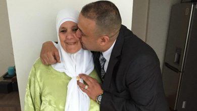 صورة حسن فقد أمه ووالده وعمه بسبب فيروس كورونا في هولندا