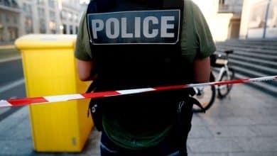 صورة اعتقال فرنسي قام باغتصاب وقتل فتاة بالغة من العمر 15 عام