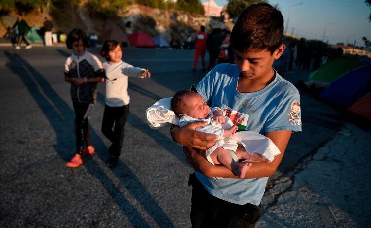لاجئين في اليونان مخيم