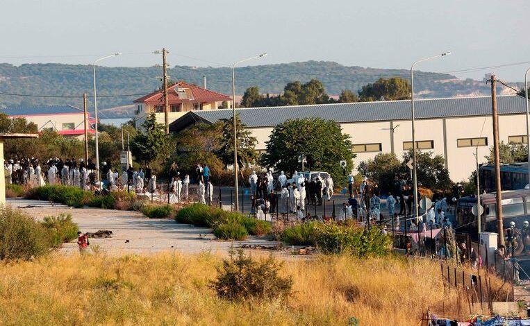 مخيم في اليونان