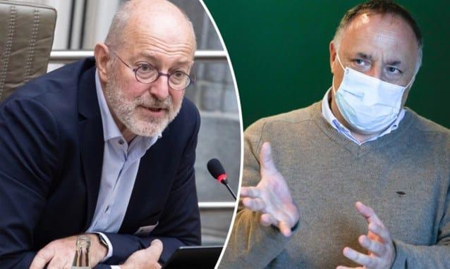 علماء فيروسات في بلجيكا